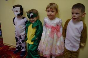 dzieci przebrane za potwory w Raszyńskim przedszkolu